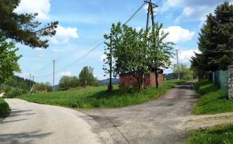 Droga do działki w Hucisku